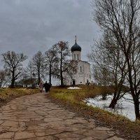 К храму :: Ирина Ярцева