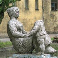 Скульптура малых форм в петербургском дворе. :: Игорь Олегович Кравченко
