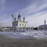 Суздаль. У стен Покровского монастыря :: Александра