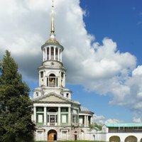 Святые ворота с надвратной церковью во имя Спаса нерукотворного и колокольня, 1804-1811 г.г. :: Елена Павлова (Смолова)