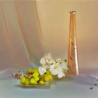 С цветком и виноградом :: Наталия Лыкова