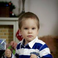 И где мой подарок? :: Геннадий Коробков