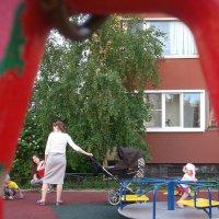 Дети на площадке :: Svetlana Lyaxovich