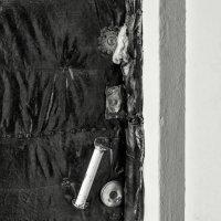Старая дверь за которой ни кто не живёт. :: Анатолий. Chesnavik.