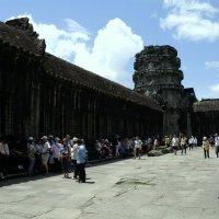 Привал в храме.Камбоджа август 2014 г. :: Ivan G