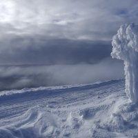 оригинальный столб снега :: Георгий