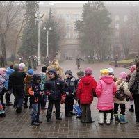 СВОБОДНЫЙ ПОИСК  УЛИЧНЫХ СЮЖЕТОВ. (5 фотографий) :: Юрий Гуков