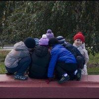 СВОБОДНЫЙ ПОИСК  УЛИЧНЫХ СЮЖЕТОВ. (5 фотографий) :: Юрий ГУКОВЪ