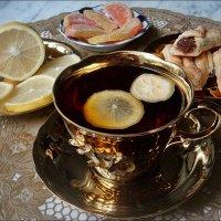 Чай с лимоном :: Нина Корешкова