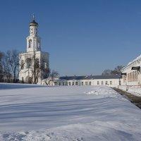 Колокольня Юрьево монастыря. Чудесный день! :: Олег Фролов