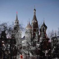Покровский собор на красной площади в Москве :: Игорь