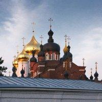 Купола монастыря. Кострома :: MILAV V