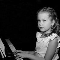 Пианистка :: Jakob Gardok