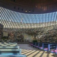 «Церковь в скале» (Лютеранская церковь Темппелиаукио) Хельсинки. :: Олег Кузовлев