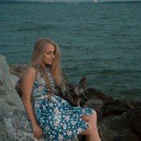 Девушка на пляже :: Екатерина Потапова