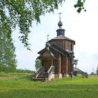 Церковь в Рябове. :: Юрий Карелин
