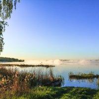 на озере утром :: Василий Иваненко