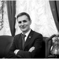 Портрет делового человека в интерьере :: Михаил Зобов