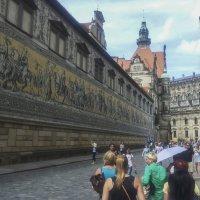 Улица Дрездена. :: Олег Кузовлев