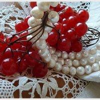 Красное и белое... :: Лидия Бараблина
