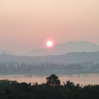 Восход солнца над островом Хайнань :: Наталья Т