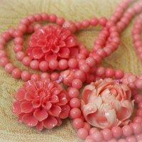 Украшения из розовой ракушки. Гонконг :: Swetlana V