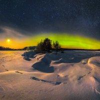 Северное сияние на Ладожском озере :: Фёдор. Лашков