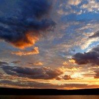 Заходы солнца так сказочно красивы... :: Лидия Бараблина