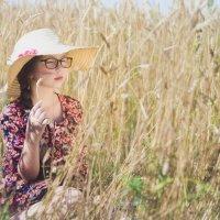 И ветер волоском щекочет щеки... :: Оксана Задвинская