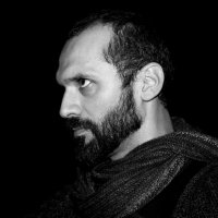 Мужчина с шарфом :: Алексей Саломатов