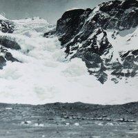 Сход лавины... :: Tatiana Markova