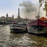 Париж, вид на Сенй :: Борис Соловьев