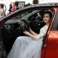 Как невеста. :: Александр Бабаев