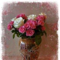Ваза с букетом роз :: Nina Yudicheva