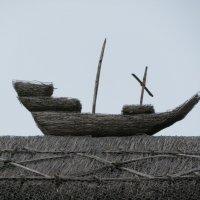 Кораблик на крыше :: Natalia Harries