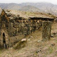 Церковь в старом Харджи :: David Jotyan