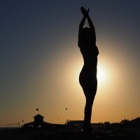 Изгибы неги в зареве солнца :: Елена Бунак