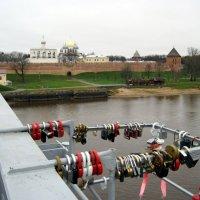 На Кремлёвском мосту. Город Новгород. :: Ирина ***