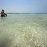 Белый пляж :: Дмитрий Близнюченко