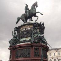 Памятник императору Николаю I :: Svetlana Lyaxovich