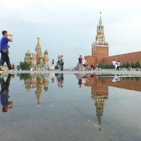 После ливня лужи уходят несколько минут..) :: Alexey YakovLev