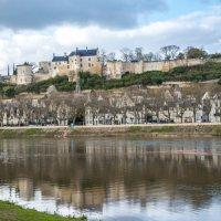 Замок Шинон у реки на Венн (chateau de Chinon) :: Георгий