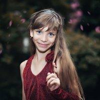 Смешная девчонка. :: Лилия .