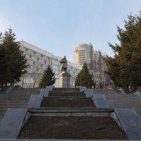 Памятник адмиралу Макарову :: Сергей Бойко