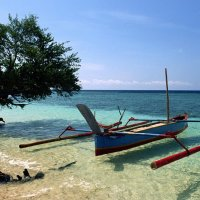 лодка, залив, пляж, вода. :: Александр
