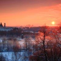 Багровый рассвет в Истре :: Евгений (bugay) Суетинов