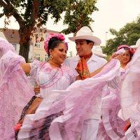 Танец страсти и любви! :: Mila .