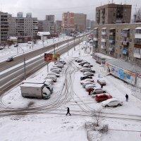 Апрельский снег :: Елена Тренкеншу