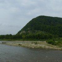 Река   Быстрица   Надворнянская   и   Карпатские   горы   в   Надворной :: Андрей  Васильевич Коляскин