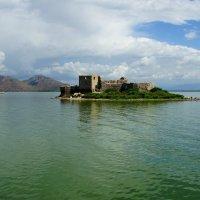 Остров на море лежит, град на острове стоит :: Наталья Т